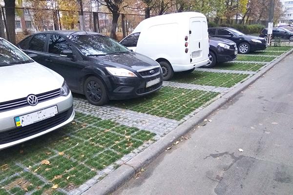 Экопарковка в Вишневом: решение проблемы загруженности дворов